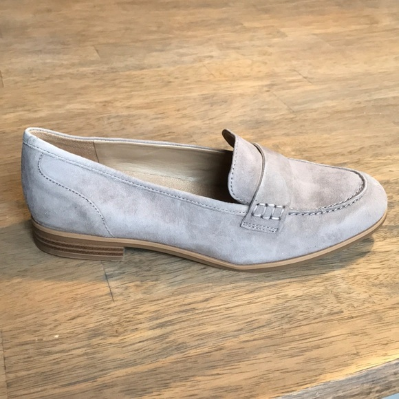 c80efc93673 Naturalizer Veronica Grey Suede Loafers